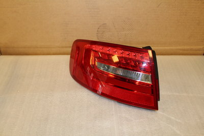 Link Buiten Led Achter Licht Audi A4 Avant Facelift 8K9945095D